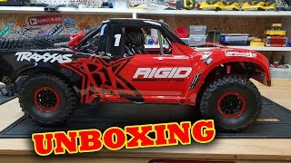 Video Traxxas UDR Unboxing With Pat & Kev - Unlimited Desert Racer MP3, 3GP, MP4, WEBM, AVI, FLV April 2019