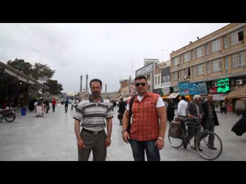 Виктор Бабак в Иране город Ком.На заднем плане Биби-Максума.