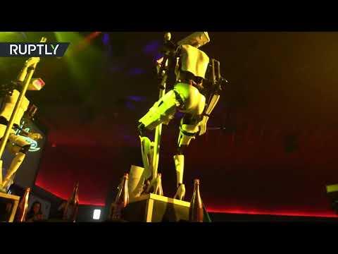 العرب اليوم - شاهد: روبوتان يرقصان