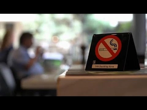 Η Ελλάδα σβήνει το τσιγάρο: Ο νόμος που δεν εφαρμόστηκε ποτέ και η νέα προσπάθεια…