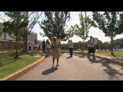 Lip Dub - The OFFICIAL Toms River East Lip Dub 2 - Animal, Call Me Maybe & Ocean Avenue Produced by the Toms River Schools TV (TV21) Students Can you find Waldo? Produ...