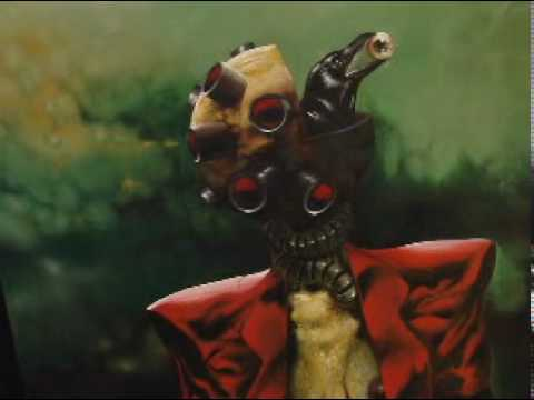 Mama Cuervo  nadie te sacara los ojos  no tienes solo tienes la Escafandra
