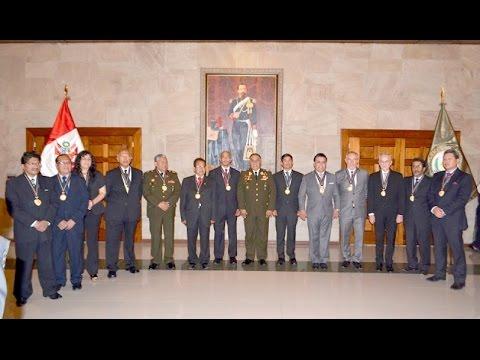 Condecoración a personalidades civiles por Día del Ejército