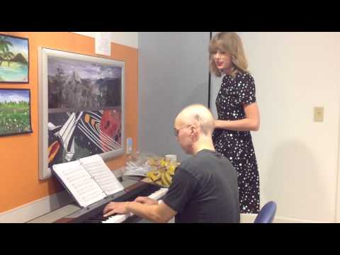 Taylor Swift sings Adele
