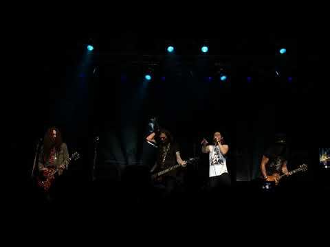 Slash Feat. Myles Kennedy & The Conspirators - Starlight (Live)