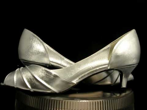Touch ups Abby Silver Prom Bridal Shoes Sz 8.5 NIB