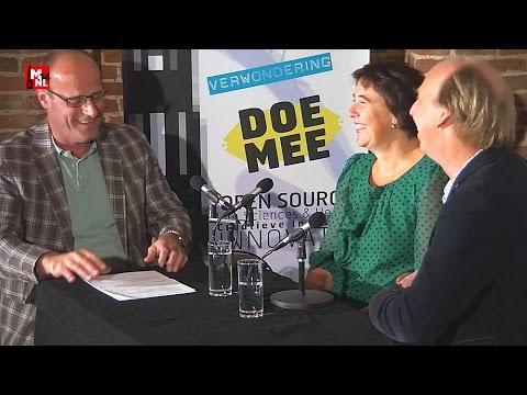 Gemeentesecretaris Herke Elbers en Herman Dummer in gesprek met Edo van Santen op MNL14