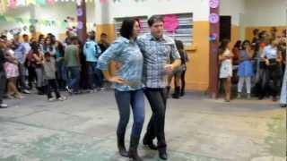 Dança De Salão - Humilde Residência - Dança Sertanejo Universitário - Aula De Forró - Famosos 2013