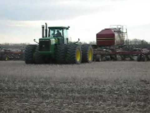 John Deere traktor �s a legnagyobb vet�g�p