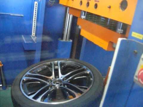 Испытание диска WSP Italy W677 XENIA X3 на удар спицы (BMW)