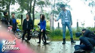 Video Rocky Menolong Reva Saat Di Keroyok Di Jalan [Anak Jalanan] [20 Nov 2016] MP3, 3GP, MP4, WEBM, AVI, FLV Januari 2018