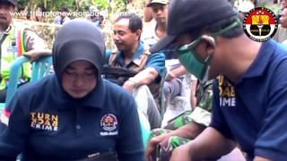 Video Polres Jombang Bongkar Makam Korban Pembunuhan MP3, 3GP, MP4, WEBM, AVI, FLV Oktober 2017