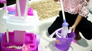 Video Mainan Anak Alat Pembersih Lantai 💖 Magical Cleaner Playset Toys 💖 Let's Play Jenica MP3, 3GP, MP4, WEBM, AVI, FLV Juli 2018