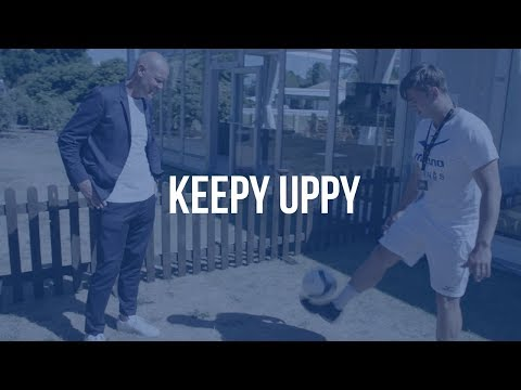 Tennis Stars Showoff Fancy Footwork in Keepy Uppy Challenge