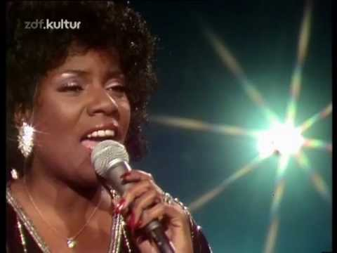 Gloria Gaynor – I Am What I Am