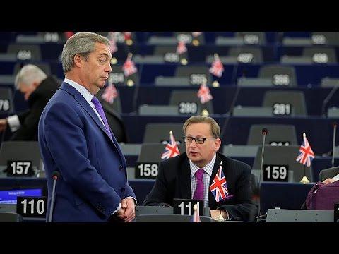 Τις «κόκκινες γραμμές» τους για το brexit υιοθέτησαν οι ευρωβουλευτές