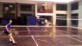 Nguyễn Tiến Minh giao lưu tại sân cầu lông Đại học Sư Phạm