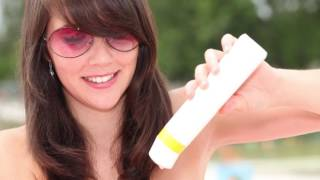How strong should your sunscreen be in order to help prevent sunburn? Dr. Honaker gives us the information we need in order to stay safe while outside.