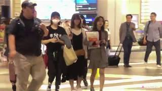 Video 170924 Twice 트와이스 Arrival @ Changi Airport MP3, 3GP, MP4, WEBM, AVI, FLV Juli 2018