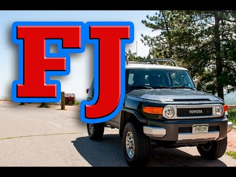 Regular Car Reviews: 2012 Toyota FJ Cruiser