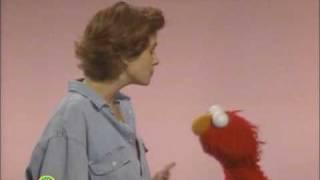 Sesame Street: Elmo Scares Julia Roberts