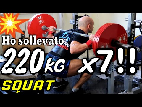 220 KG X 7!! - SQUAT CON BILANCIERE // Allenamento Ipertrofia Gambe in Home Gym