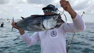 Have you ever seen a guy Catch A Humongous Fish By Himself on YouTube Live Fishing? Chew On This. Charter fishing client goes nuts trying to land giant fish. Be sure to check outhttp://www.youtube.com/realsaltlifefor more great videosHot UpdateDIY Homemade Clothes Hanger BOWFISHING REEL!https://www.youtube.com/watch?v=zmwdkdnr1BMcheckoutThe most RANDOM Pond Bass Fishing video you will EVER watch..https://www.youtube.com/watch?v=O-mREAj5d10▬▬▬▬▬▬▬ About Chew On This ▬▬▬▬▬▬▬Chew On This provides the viewer a first hand look at catching mean aggressive high intensity fish fishing videos on the web. Captain Ben Chancey does fishing at its pinnacle and highest level of difficulty. Captain Ben has caught giant fish on just about everything including paddleboards, Kayaks, floats tubes, ultra skiffs, bay boats, flats boats, sportfishers and even gheenoes. Chew On This videos and content have been featured on Discovery, National Geographic, Today Show, Good Morning America, Fox News, ESPN, Fox Sports, The Weather Channel and many more! ► NEW VIDEO EVERY WEDNESDAY► Click Here to Subscribe → http://bit.ly/1tQiHaf► Find out More about boat → http://ultraskiff.com► Website → http://chewonthis.tv• Instagram → http://instagram.com/captchancey• Twitter → http://twitter.com/#!/captchancey• Email → captchancey@gmail.com• Snapchat → chewonthisfish Ben Chancey▬▬▬▬▬▬▬ PROMOTIONS ▬▬▬▬▬▬▬Remote Battery Boosterhttp://www.safetyboost.com#safetyboost.com#chewonthis#saltlifeClick Here to Subscribe! ► http://bit.ly/1tQiHaf▬▬▬▬▬▬▬ BRANDS WE USE ▬▬▬▬▬▬▬• HUMMINBIRD• Salt Life• Minn Kota• Diawa• Safety Boost Remote Battery Booster▬▬▬▬▬▬▬ RELATED VIDEOS ▬▬▬▬▬▬▬Tiny Creek Fishing after a Flood? (Surprise Catch!)https://www.youtube.com/watch?v=eFw250sA1uI&t=9sBest Fishing Lure for Bass and Snakeheads! DOOMSDAY TURTLE LURE?!https://www.youtube.com/watch?v=Yqn-RypJsHY&t=19sNEW PET MONSTER FISH in my HOME POOL POND! Help me Name Him?https://www.youtube.com/watch?v=u15nRZVZOWs