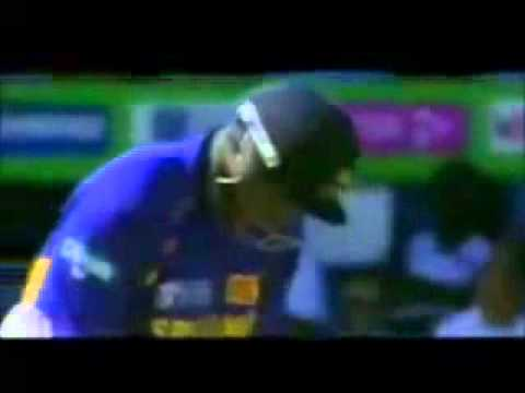 Angelo Mathews smashes Zaheer Khan for a six over long on, IPL, 2012