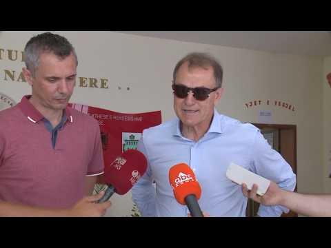 Voton edhe De Biasi: E di kush është më i mirë - Top Channel Albania - News - Lajme (видео)