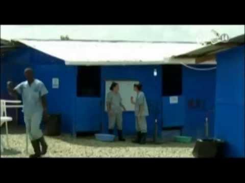 Liberia: Một ngày làm việc của y tá chiến đấu với Ebola