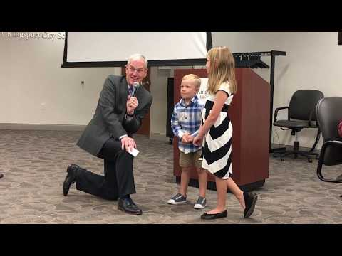Video: Paxton siblings lead school board Pledge of Allegiance Oct. 8, 2919