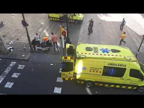 Terrible ataque Terrorista en Barcelona Terrorists 13 persons died