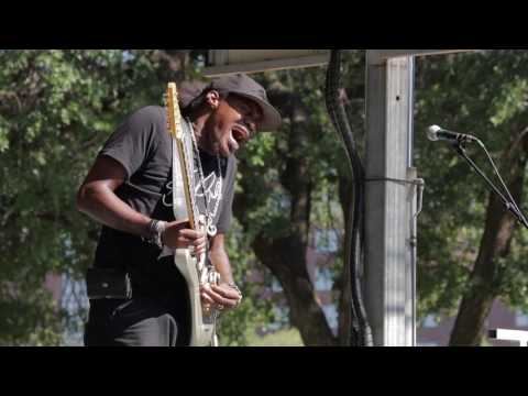 Eric Gales - performs