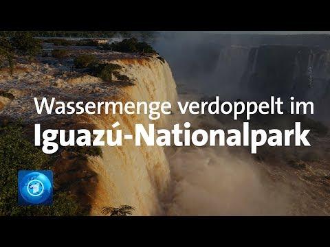 Weltberühmte Iguazú-Wasserfälle: Wassermenge nach heft ...