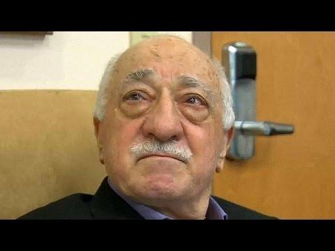 Φετουλάχ Γκιουλέν: «Δεν έχουμε σχέση με το πραξικόπημα. Μπορεί να είναι στημένο»