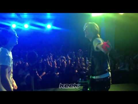 @rockyR5 juggling on stage(RydelR5 on keek) (видео)