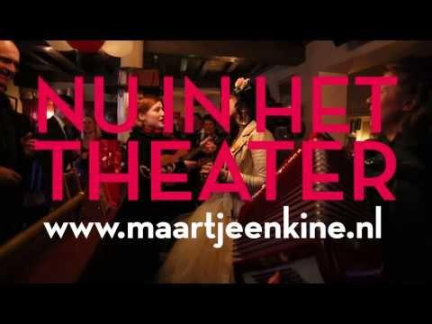 vreemd - Maartje & Kine zingen voor Vreemd Folk in Delft. Hun theatervoorstelling 'Vreemd Folk' gaat op 28 februari in première in Schouwburg Amstelveen. Ze touren to...