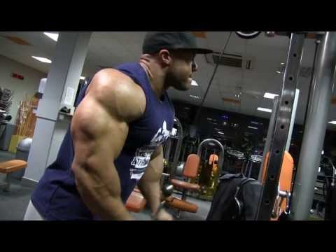 Phil Heath - Shoulders, triceps