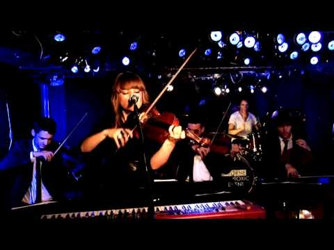 Airborne Toxic Event  - Sometime Around Midnight - Live On Fearless Music