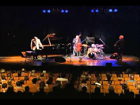 Video Dave.Brubeck - Take Five In A Quartet(2004) download in MP3, 3GP, MP4, WEBM, AVI, FLV January 2017