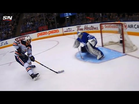 Video: Curtis McElhinney closes five hole on Connor McDavid breakaway