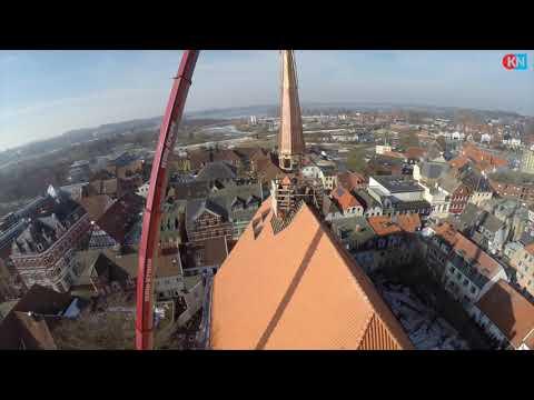 Die St.-Nicolai-Kirche Eckernförde erhält ihr Türmchen