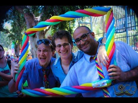 אמנות בלונים בלונים במצעד הגאווה!