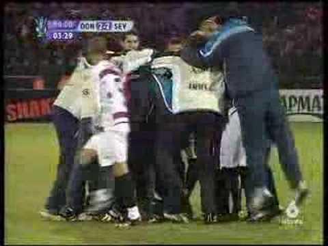 El gol de Palop ante el Shaktar Donetsk