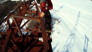 Hardcorowy typ i jego nieudany skok ze 120 metrowego słupa! Przeżył!