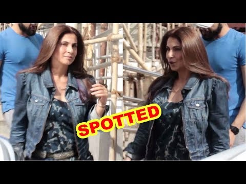 Exclusive Dimple Kapadia Spotted At Juhu PVR