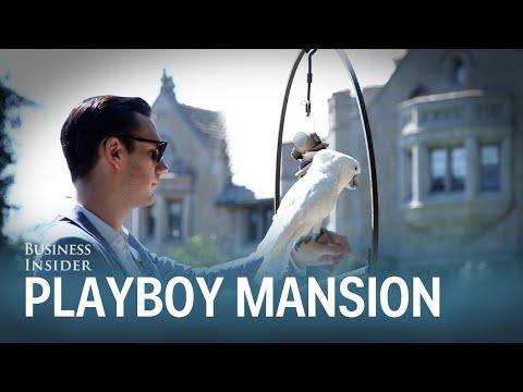 Hugh Hefnerin poika kertoo lapsuudestaan ja esittelee Playboy-kartanoa – näky on päätähuimaava