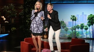 Ellen and Kristen Wiig Sing 'Let It Go' - YouTube