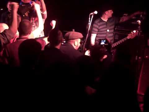 Street Dogs – Tobe's Got A Drinking Problem (Live UK 2010)