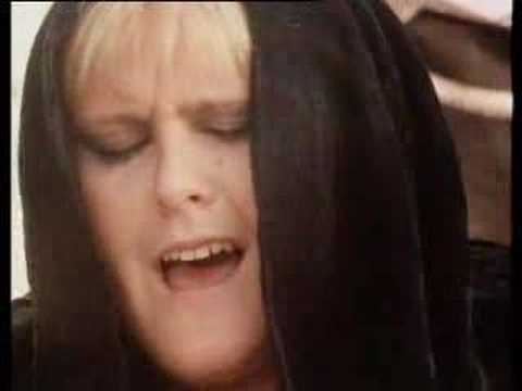 Alison Moyet – Love Resurrection